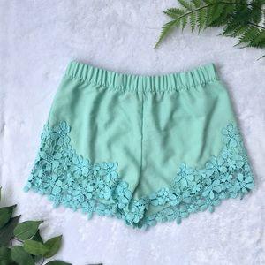 Zara | Trafaluc mint green floral trim shorts S